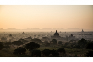 SERGE HORTA - FOGGY SUNRISE IN BAGAN II
